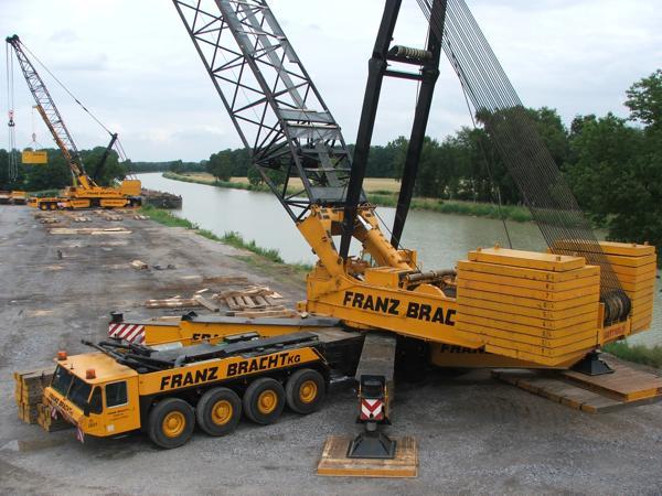http://www.kran-forum.com/Pics/Bracht-2-AK-450-Duelmen-08.jpg